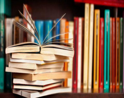 حضور مروجین کتاب(بخریم-بخوانیم-هدیه بدهیم)-بهمن